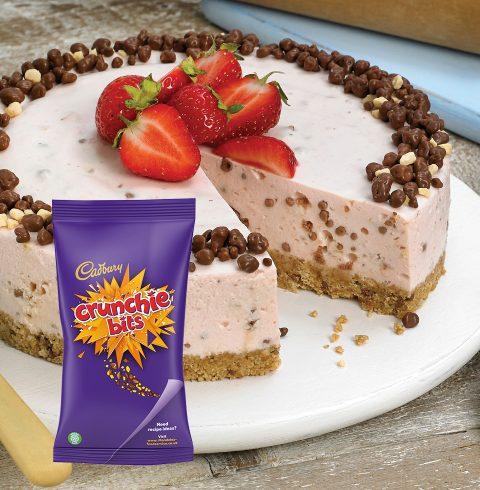Strawberry and Honeycomb Cheesecake with Crunchie Bits
